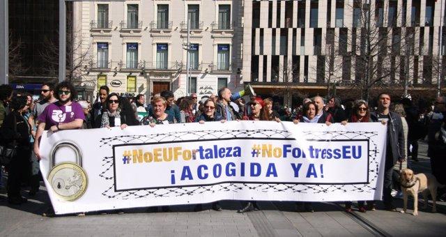 Manifestación en defensa de los refugiados en Zaragoza.
