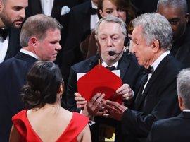 Oscar 2017: Moonlight sorprende a La La Land y le chafa su gran noche tras un error histórico