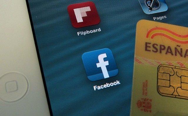DNI electrónico y Facebook en un iPad