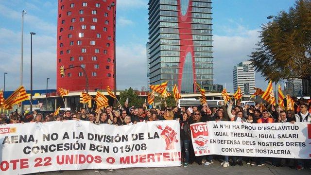 Más de 200 trabajadores de la hostelería y la restauración se han manifestado