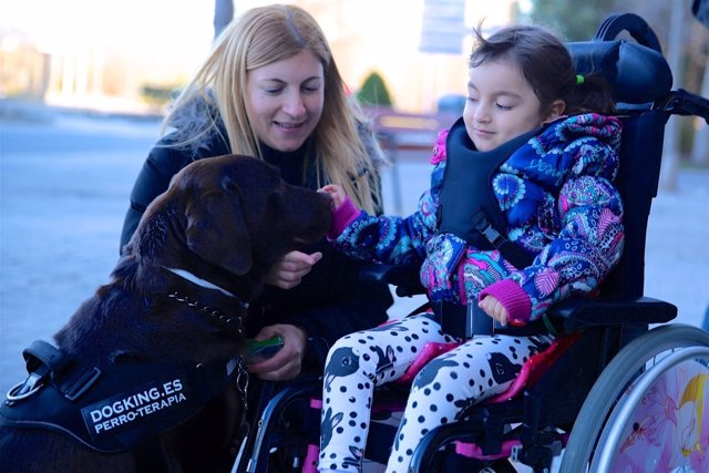 Terapia con perros para niños con enfermedades raras