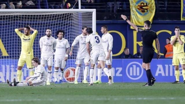Gil Manzano pita penalti en el Villarreal - Real Madrid