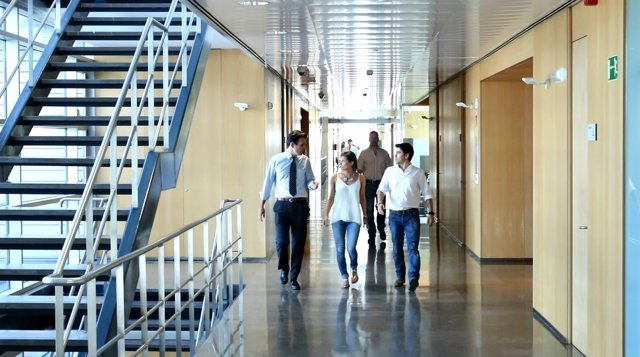 Indra incorporará 1.500 universitarios en 2017