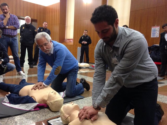 Jornadas de reanimación cardiopulmonar en el Parlamento de Galica