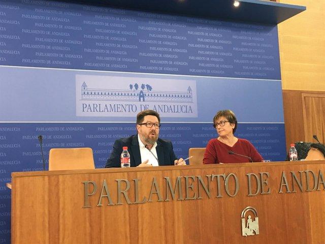 Marisa Bustinduy y Rodrigo Sánchez Haro en rueda de prensa
