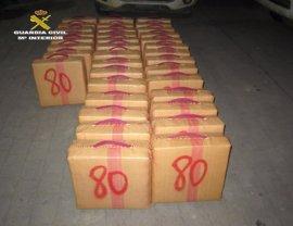 Intervenidos en La Línea 900 kilos de hachís en el interior de un vehículo robado
