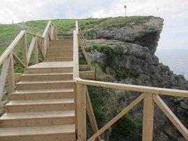 A información pública el proyecto para finalizar la senda costera, que retira el vallado y dos miradores