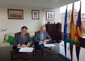 La AECC e IVI Mallorca firman un convenio de colaboración