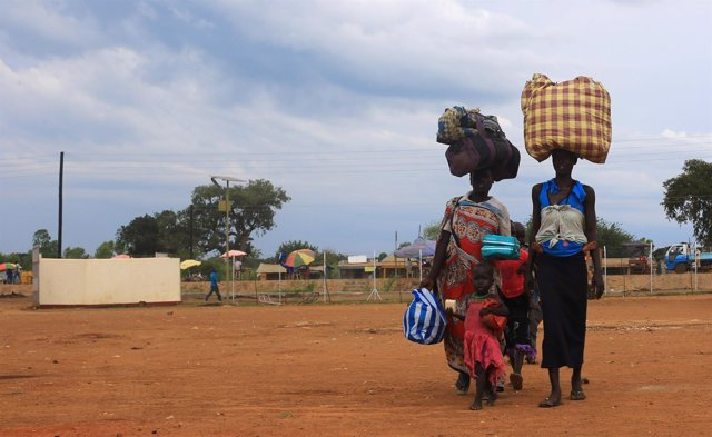 Refugiados sursudaneses llegan a Uganda