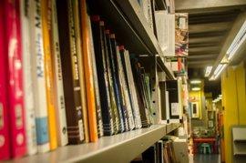 Las bibliotecas de Pamplona se suman a una programa de fomento de la lectura en euskera
