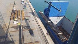 """Sevasa denuncia que las medidas de presión de los estibadores ponen al Puerto de Valencia """"al borde del colapso"""""""