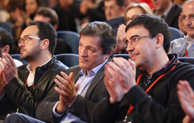 Javier Fernández, Mario Jiménez y Antonio Hernando en el foro económico del PSOE