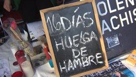 La Policía Municipal multa a las activistas en huelga de hambre en Sol por desplegar una carpa sin tener permiso