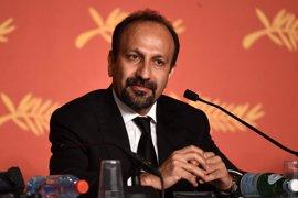 El Departamento de Estado felicita por Twitter a un director iraní por ganar Oscar y luego elimina el mensaje