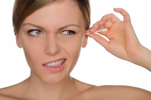 Limpiarse oídos