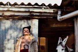 Rodrigo Cuevas estrena su nuevo espectáculo 'El mundo por montera' este sábado en Laboral