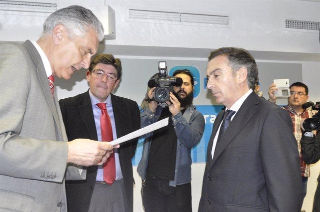 El presidente de la Comisión Organizadora del Congreso del PP con Beamonte.