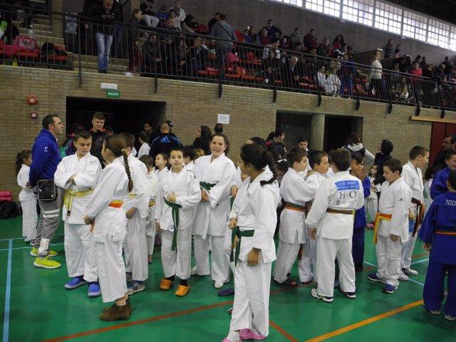 Más de 200 deportistas participan en el Encuentro de Promoción del Judo.