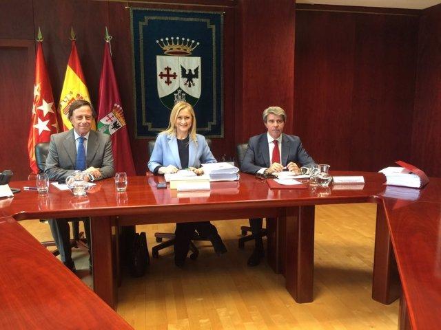 Cristina Cifuentes con el alcalde de Alcobendas, Ignacio García de Vinuesa