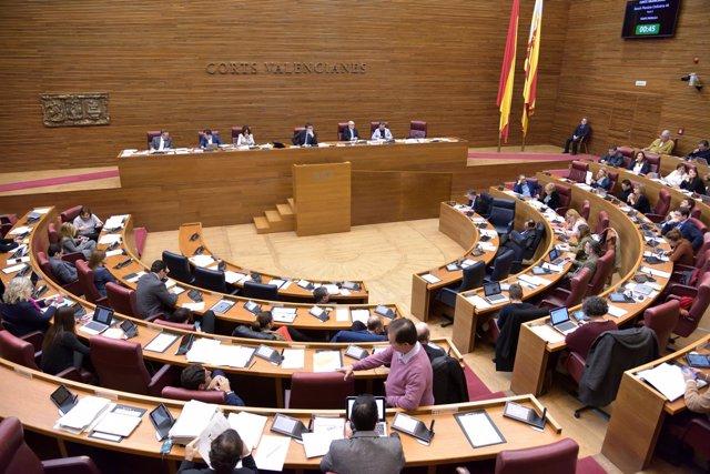 Pleno de las Corts Valencianes en imagen de archivo