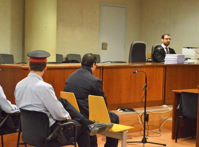 Alejandro R.V., acusado de apuñalar a 5 personas en Lleida en 2014
