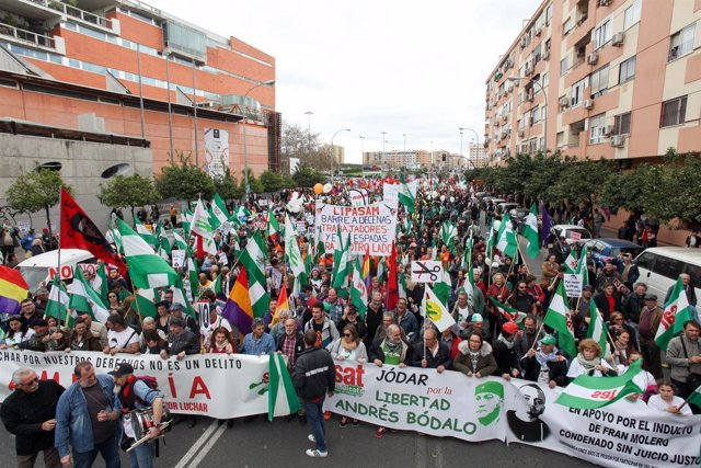 Marcha de la Dignidad en Sevilla con motivo del 28F