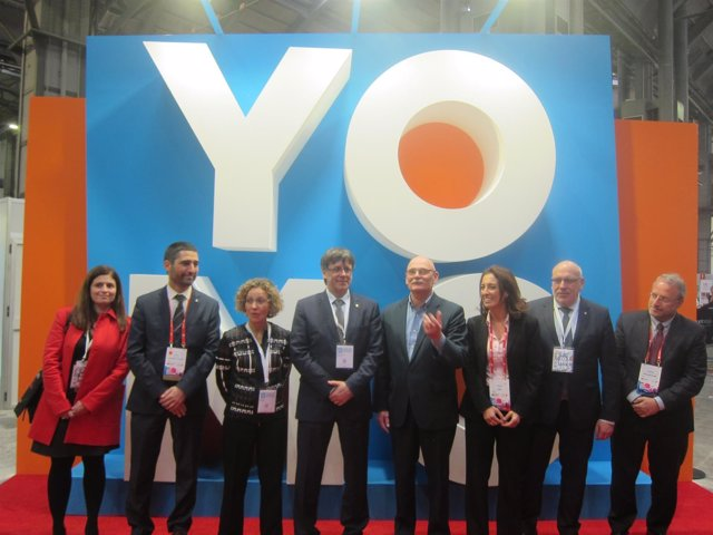 C.Puigdemont, los consellers M.Ruiz y J.Baiget y J.Hoffman (GSMA), en YoMo