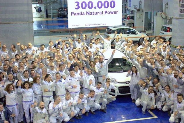 Producción del Fiat Panda Natural Power en Pomigliano (Italia)