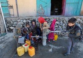 Miles de afganos carecen de agua potable en la capital debido a la sequía
