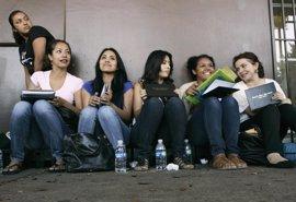 El Senado mexicano aprueba una ley para convalidar los estudios de los 'dreamers' deportados
