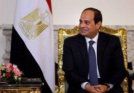 """Al Sisi asegura que el Gobierno ayuda a los coptos afectados por """"un complot cobarde"""" en el Sinaí"""