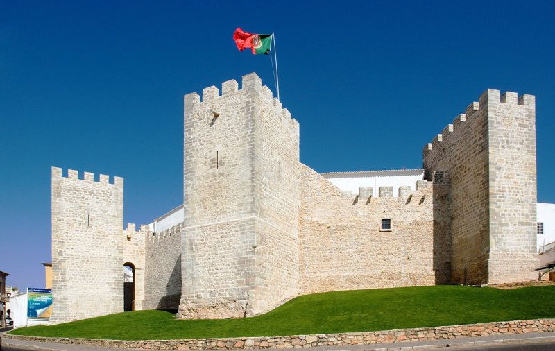 Los castillos del Algarve: arquitectura y playas para redescubrir Portugal