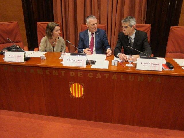 A.Caula (JxSí),  J.Castel (Cs), el letrado del Parlament A.Bayona