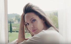 Terrence Malick dirige a Angelina Jolie en el spot de un conocido perfume