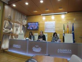 """Blanca Martín destaca el """"techo de cristal"""" de la Asamblea de Extremadura en materia de transparencia"""