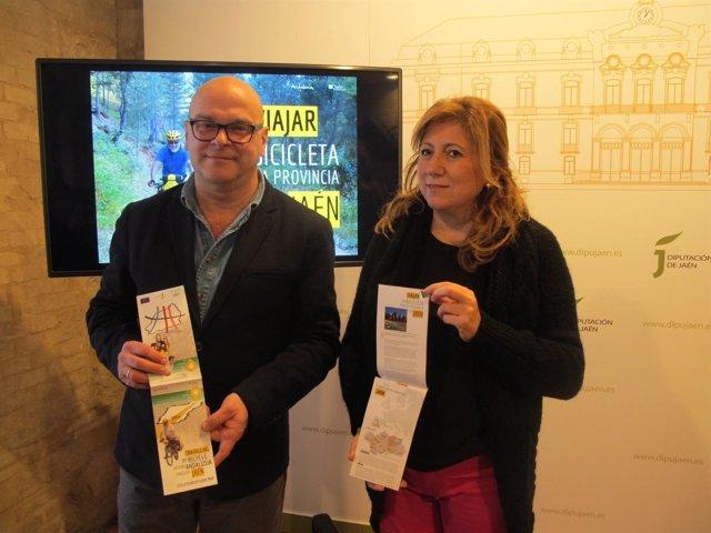 Presentación del folleto 'Viajar en bicicleta por la provincia de Jaén'.