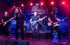 Siberia repasa sus tres décadas de rock en 'Los Jueves en la Cuarta' de la Fundación