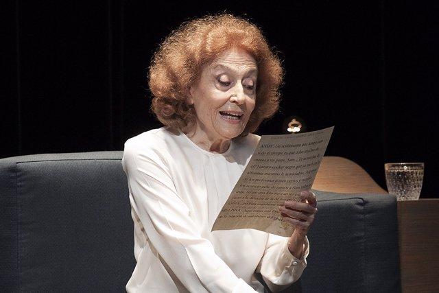 Julia Gutierrez Caba en la obra Cartas de Amor