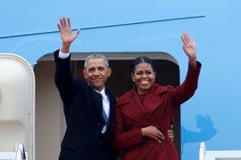 Los Obama firman un acuerdo millonario para escribir sus memorias