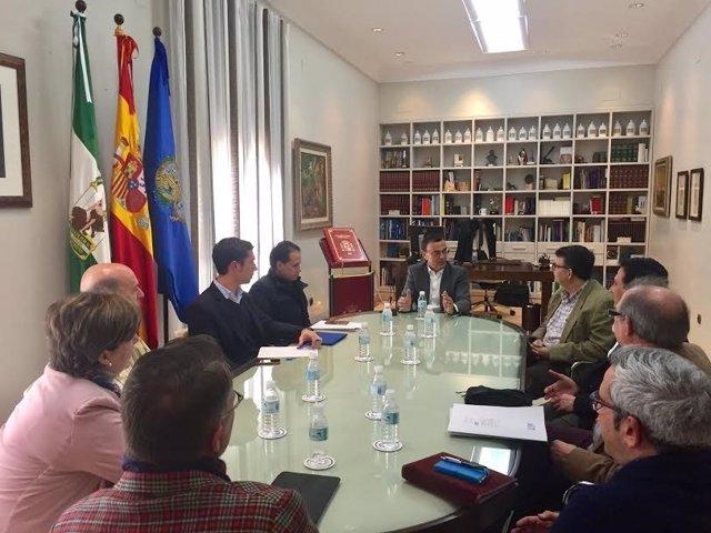 El presidente de la Diputación de Huelva, Ignacio Caraballo, se reúne con Bareca