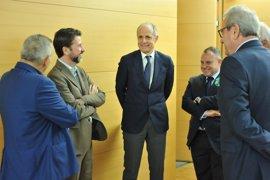 Cabildo de Tenerife y Cámara de Comercio renuevan su convenio para mejorar la formación y competitividad empresarial