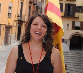"""La alcaldesa de Berga celebra el archivo de su causa frente a las """"absurdidades"""" del Estado"""