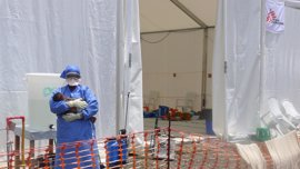 Liberia investiga la muerte de una superviviente del ébola por una posible negligencia médica