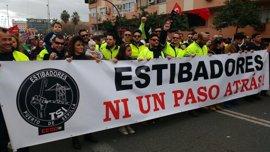 """IULV-CA critica que el PSOE-A y Cs """"impidan"""" a los estibadores comparecer en el Parlamento andaluz"""