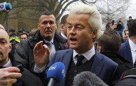 Wilders reanuda su campaña tras las dudas sobre la seguridad