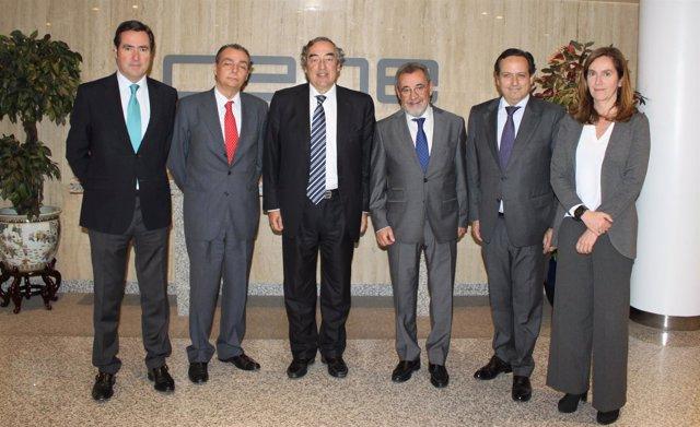 Navarro se reúne con la CEOE par presentarles su propuesta para la CEV