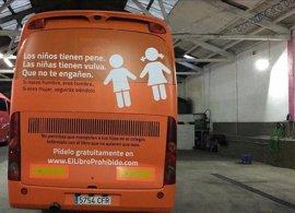 El autobús de Hazte Oír, amparado por la libertad de expresión, según expertos en Derecho
