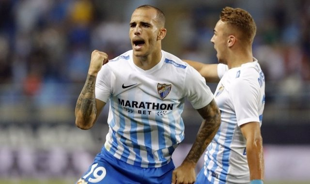 Sandro Ramírez celebra un gol con el Málaga