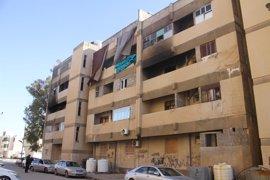 Los enfrentamientos en Trípoli causan graves daños en centenares de vehículos y edificios de la ciudad