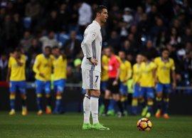 El Madrid se deja el liderato ante Las Palmas